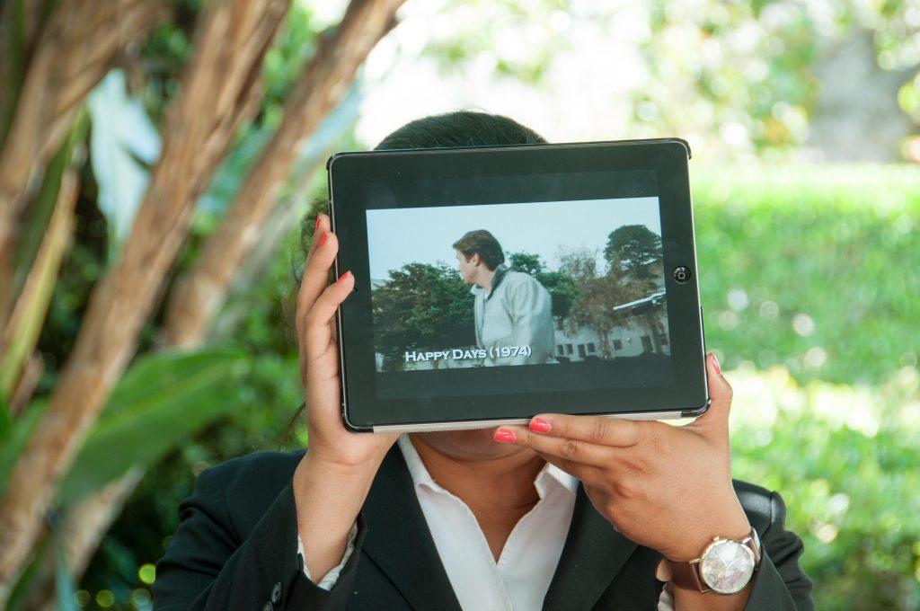 Opas ja iPad. Kuva: Otto Manninen