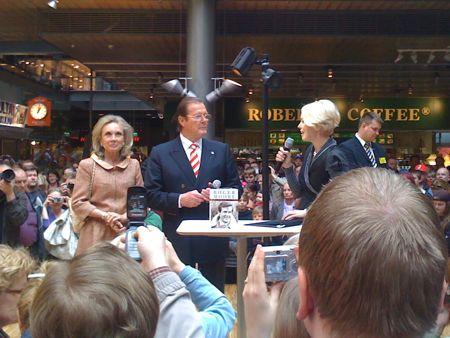 Roger Moore Sellossa 3.5.2009